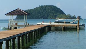 Lelawadee Speedboat pier at the Makathanee resort on Koh Mak